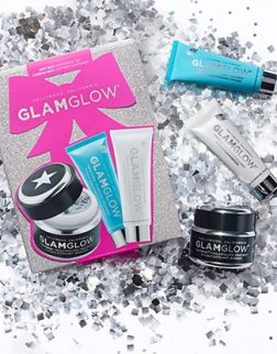 GlamGlow GIFT SEXY YOUTHMUD SET