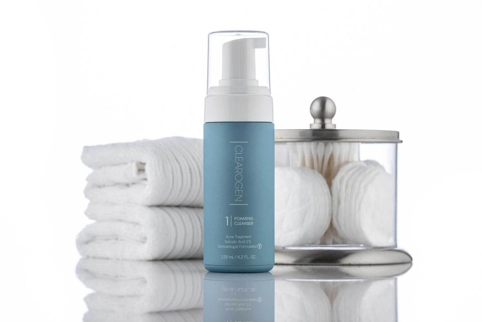 Cleanser-Lifestyle-_4_2000px_1024x1024@2x